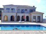 Satılık villa, 4 yatak odalı, 450 m²