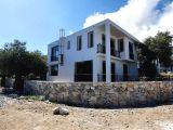Satılık villa, 3 yatak odalı, 185 m²