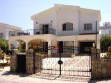 Satılık villa, 3 yatak odalı, 284 m²