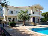 Satılık villa, 4 yatak odalı, 420 m²