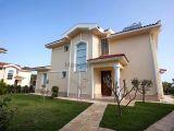 Lapta'Da Satılık Lüx 4+1 Villa
