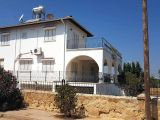 Satılık villa, 4 yatak odalı, 240 m²