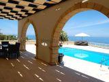 Satılık villa, 4 yatak odalı, 320 m²